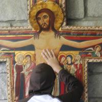 """""""Jesus é ao mesmo tempo humano e divino"""""""